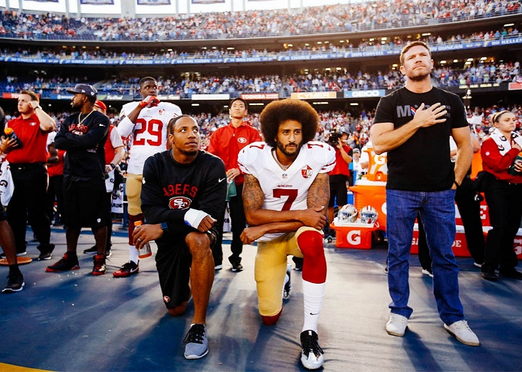 Kneeling during the National Anthem: Top 3 Pros and Cons